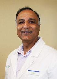 Arun Tandon, Pharmacist and Owner